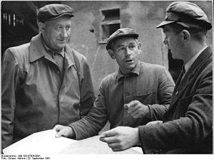 Bundesarchiv Bild 183-87004-0001, LPG Colditz-...