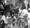 COLLECTIE TROPENMUSEUM Balinese tempeldansers TMnr 10004702.jpg
