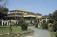COLLECTIE TROPENMUSEUM Het Istana Maimun paleis van de sultan van Deli TMnr 20023797