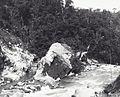 COLLECTIE TROPENMUSEUM Rivier verlegging in de kloof van de Anei rivier Pad. Bovenlanden TMnr 60038691.jpg