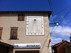 A solar clock face at Auterrive