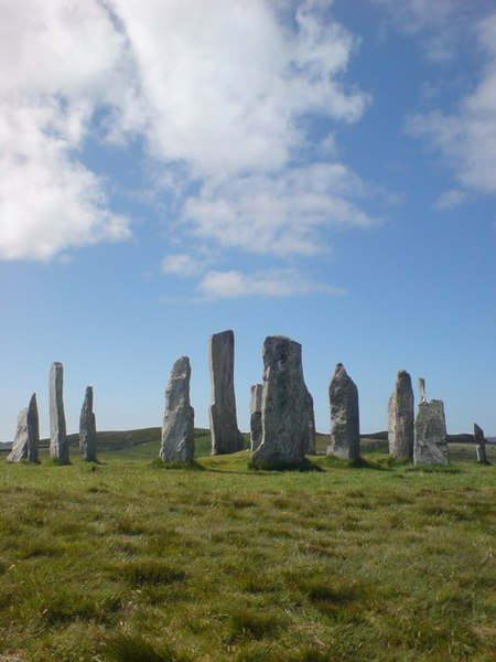 File:Callanish - geograph.org.uk - 602272.jpg