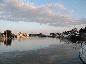 Canal latéral à la Loire - Image: Canal Latéral a la Loire Marseilles les Aubigny
