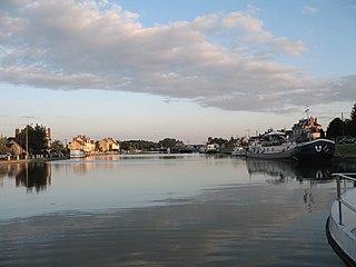 Marseilles-lès-Aubigny Commune in Centre-Val de Loire, France