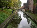 Canal and lock - geograph.org.uk - 788550.jpg