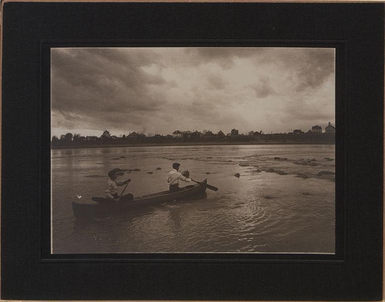 File:Canoeing at Saskatoon (HS85-10-22706).jpg