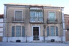 Casa Modernista Madrigal de las Altas Torres.jpg