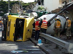 300px-Cement_truck_crash.jpg