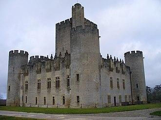 Château de Roquetaillade - View of the castle.