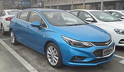 Chevrolet Cruze J400 hatch 001 China 2017-04-06.jpg
