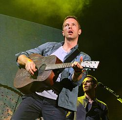 Chris Martin + Guitar, 2011 (2).jpg