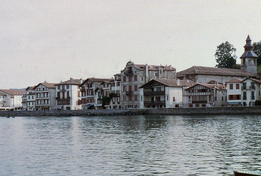 The pier Maurice Ravel, Ciboure, shot from the port of Saint-Jean-de-Luz.