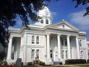 Tuscumbia, Alabama - Colbert County Courthouse in Tuscumbia