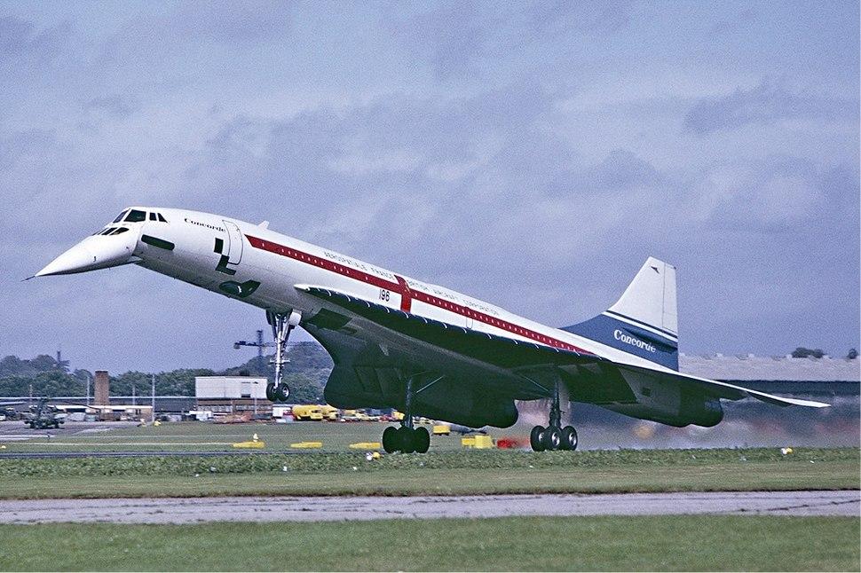 Concorde landing Farnborough Fitzgerald