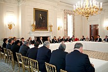Congressional Hispanic Caucus meeting at White House 2009.jpg