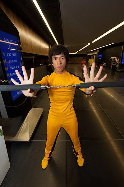 399px-Cosplayer_of_Bruce_Lee_at_Anime_Fe