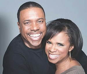 Creflo Dollar - Image: Creflo and Taffi Dollar