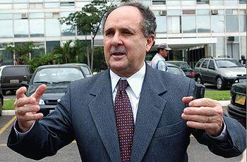 Brasília - O ministro da Educação, Cristovam B...