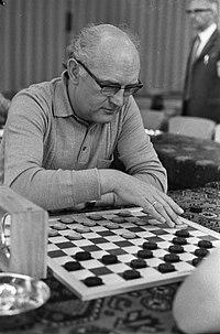 Damkampioenschap 1974 in Apeldoorn, nr 8, 9 P Bergsma nr 10, 11 J H A Goud, Bestanddeelnr 927-1234.jpg