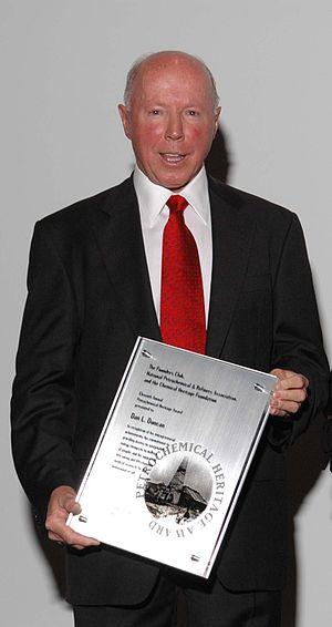 Dan Duncan - Dan L. Duncan with the Petrochemical Heritage Award, 2007