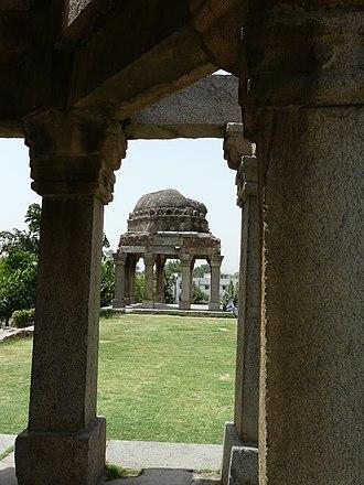 Kotla Mubarakpur Complex - Image: Darya Khan Lohani's tomb
