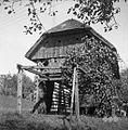 Dera na toplarju (dvojnem kozolcu), pri Mrčajovih, Stavča vas 1957.jpg
