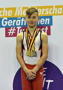 Deutsche Jugendmeisterschaften Gerätturnen männlich AK 13–18 Siegerehrung Gerätefinals at Internationales Deutsches Turnfest Berlin 2017 (Martin Rulsch) 326.jpg