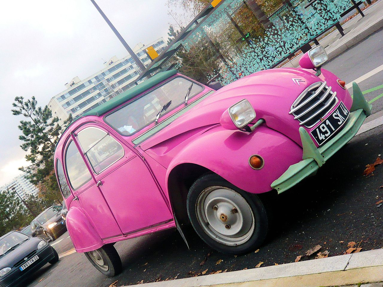 fichier deux chevaux rose pink 2cv citroen jpg wikip dia. Black Bedroom Furniture Sets. Home Design Ideas