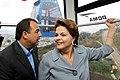 Dilma e Cabral no Teleférico do Alemão em 2011.jpg
