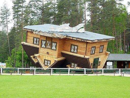 Dom do góry nogami 2013