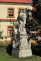 Dukovany - socha sv. Josefa před zámkem.jpg