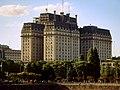 Edificio Libertador desde Puerto Madero.jpg