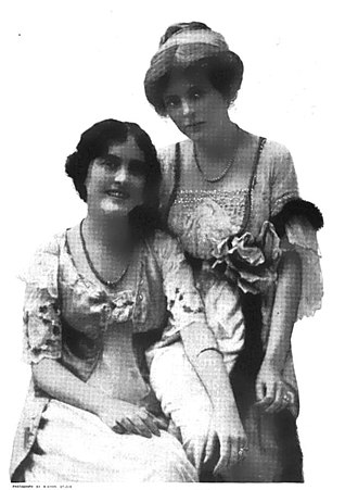Edith Taliaferro - Edith Taliaferro (right), with her sister Mabel in 1913.
