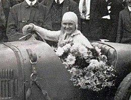 Elisabeth Junek en 1927.jpg