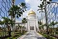 Entrance to the Sultan Omar Ali Saifuddin Mosque (18585748022).jpg