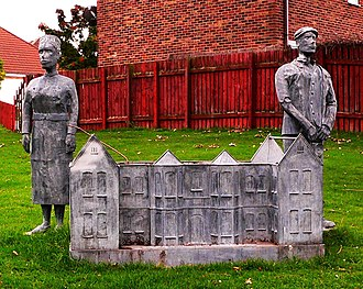 Eston - Eston Hospital: commemorative flowerbed sculpture