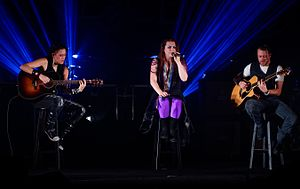 Evanescence at The Wiltern theatre in Los Angeles, California 28.jpg
