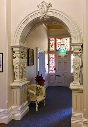Eyres House, Soldiers Hill, Ballarat - Entrance hall with decorative and structural cast iron embellishments from local Ballarat foundries