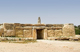 History of Malta - The megalithic temple of Ħaġar Qim