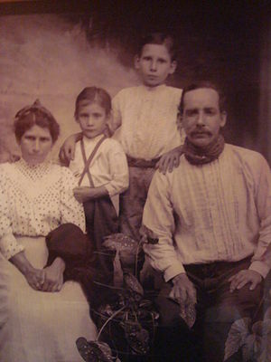 Costa Ricans - Average Costa Rican Family - Early Twentieth Century.