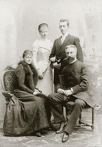 Louise d'Orléans (1869–1952) - Image: Ferdinand, Duke of Alençon with his family