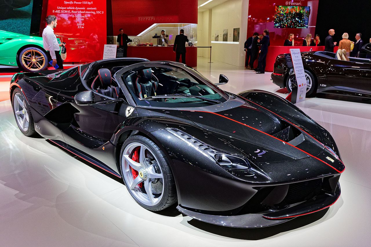 file ferrari laferrari aperta mondial de l 39 automobile de paris 2016 wikimedia commons. Black Bedroom Furniture Sets. Home Design Ideas