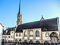 Flèche de l'église et salle Jean XXIII.jpg