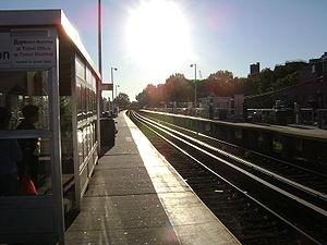 フラッシング メイン ストリート駅 ロングアイランド鉄道 wikipedia