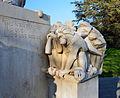 Fontaine aux Singes (détail).jpg