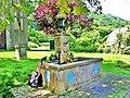 Fontaine devant l'église.jpg