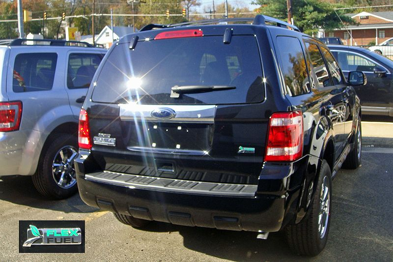 Ford Escape Flex 7893 VA 11 09 with badge.jpg