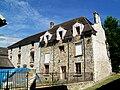 Fosses (95), ancienne ferme à côté de l'église Saint-Etienne, au village.jpg