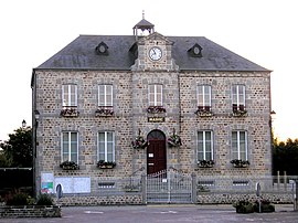 FranceNormandieStMartinDesBesacesMairie.jpg