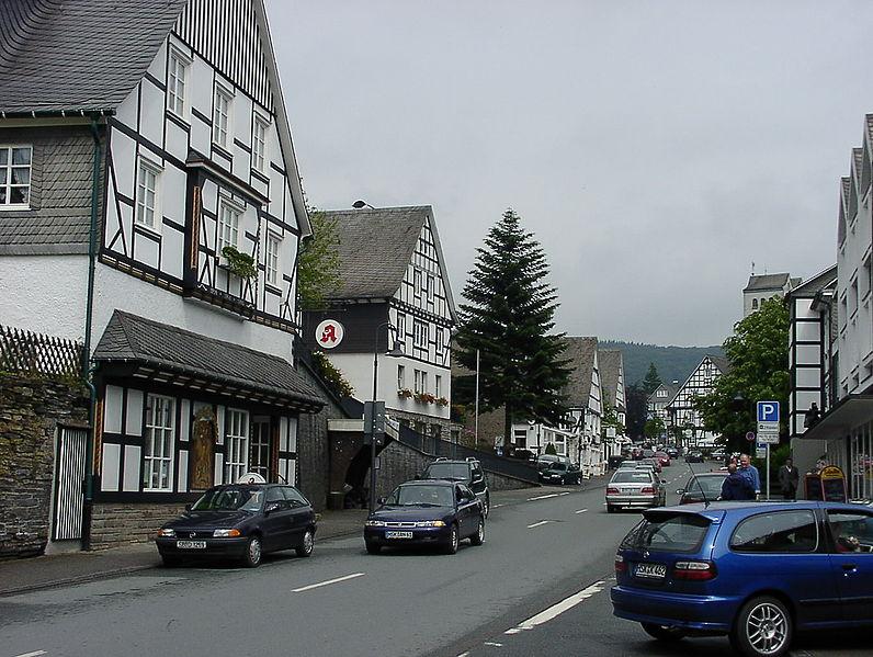 File:Fredeburg.jpg - Wikimedia Commons